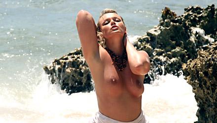 Ellen Saint