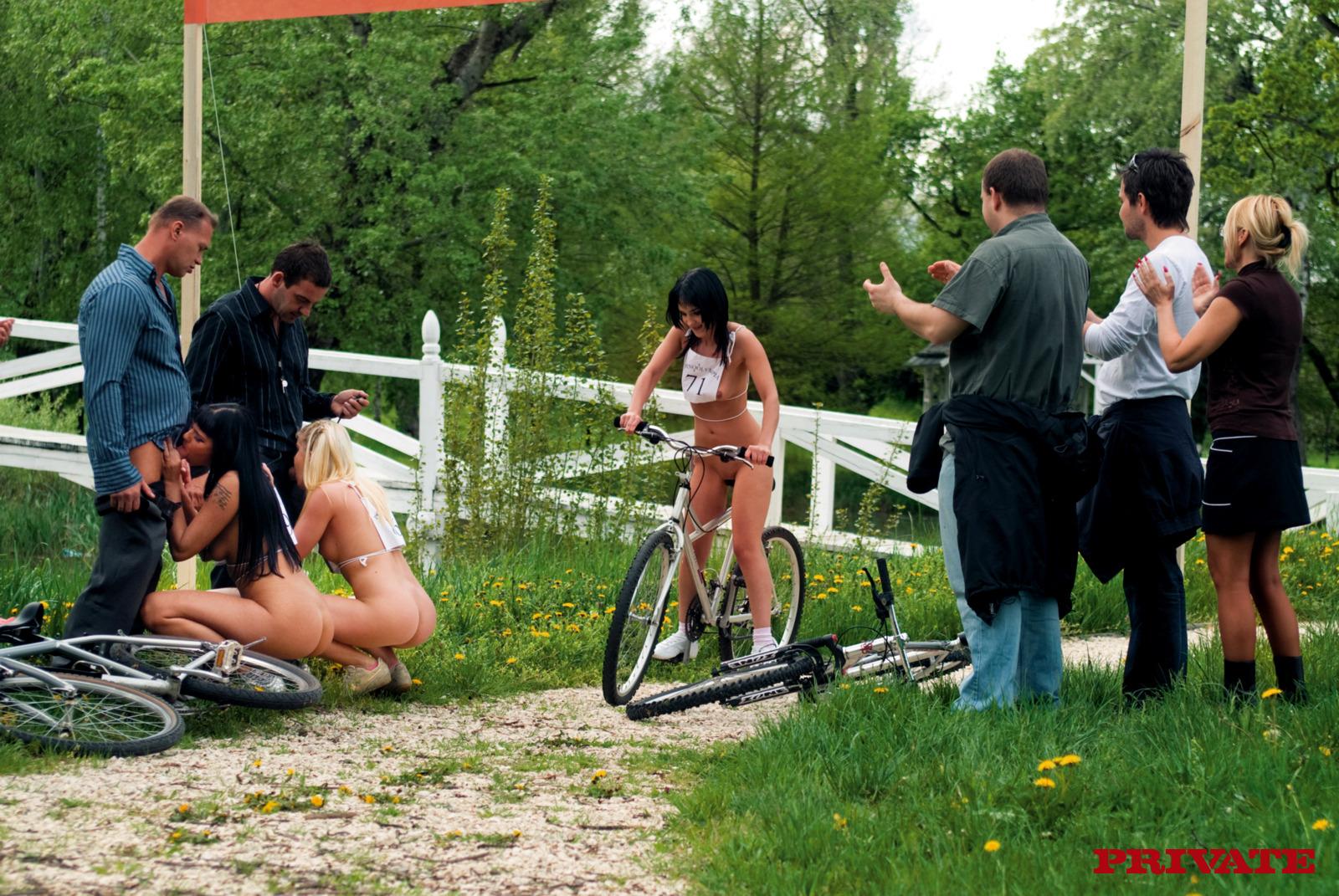 Соревнование по минету на время 5 фотография