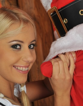 A Guy Dressed as Santa Anally Invades the Very Pretty Amanda-1