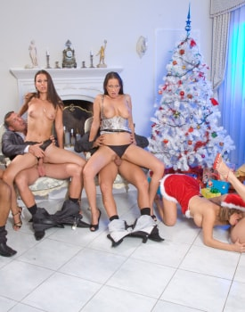 Britney Claudia Rossi and Others Participate in an Interracial DP Orgy-7