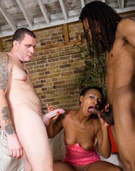 Amateur Ebony Babe Lala has an Interracial Threeway-5