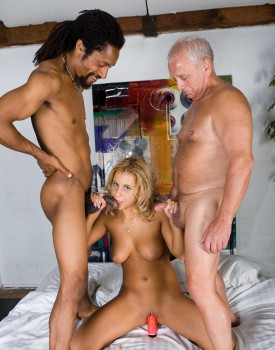 Amanda Enjoys an Interracial Trio-3