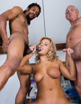 Amanda Enjoys an Interracial Trio-5