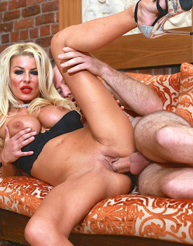 Saucy Milf Tia Layne Has Her Warm Wet Pussy Filled Up-6