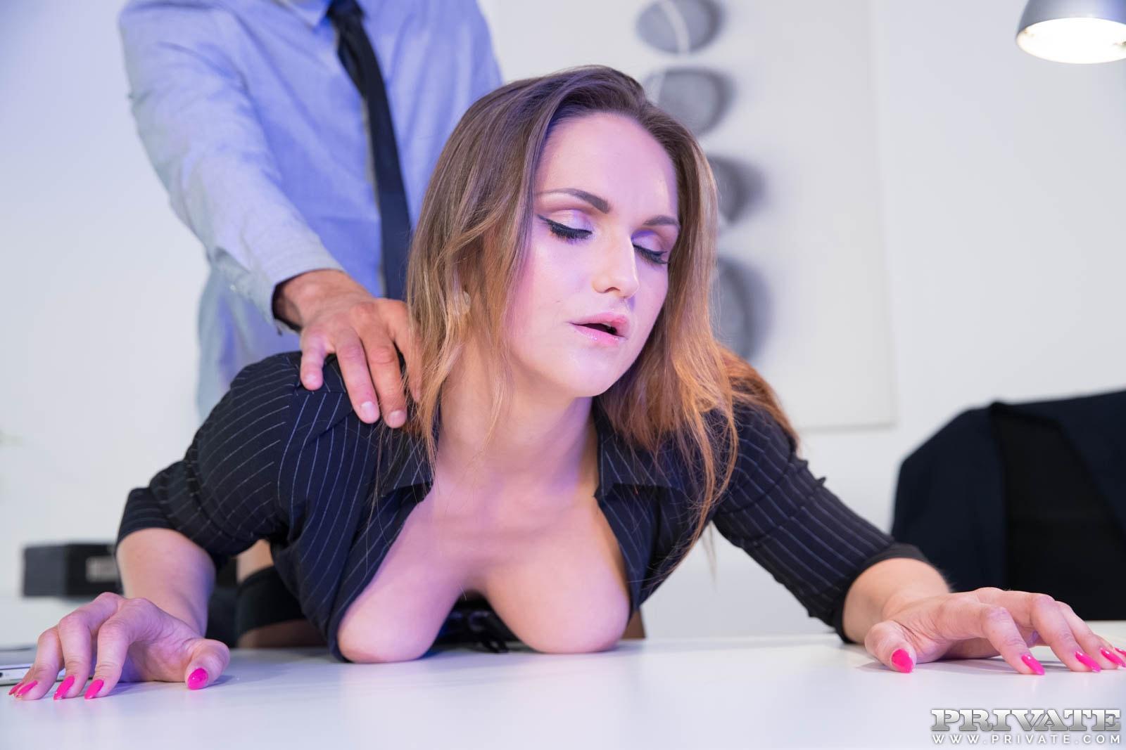Privatecom barbara bieber puts the squeeze on her boss - 1 10