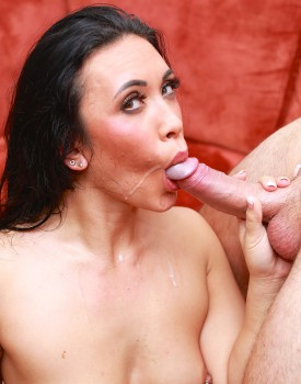 Cum Hungry Hannah Shaw Has Her Tight Pussy Serviced-9