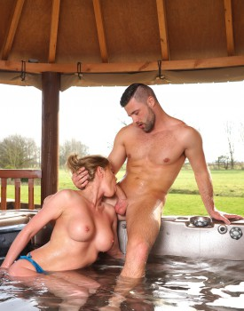 Busty Blonde Milf Holly Kiss Gets Wet & Wild in a Jacuzzi-2