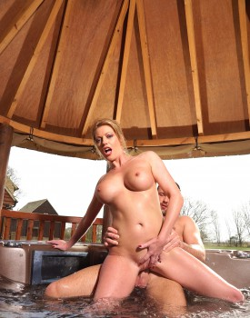 Busty Blonde Milf Holly Kiss Gets Wet & Wild in a Jacuzzi-6