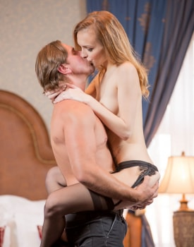 Belle Claire Takes a Creampie in a Mansion-5