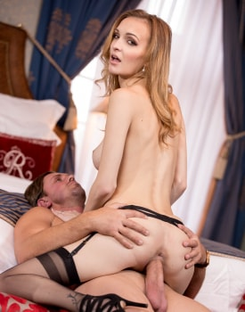 Belle Claire Takes a Creampie in a Mansion-9