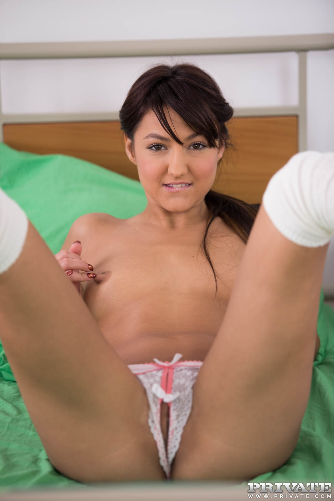 image Student nurse suzy rainbow fucks the cardiologist