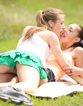Lesbians Alexis Crystal & El Storm Have Some Leg Twitching Orgasms-0