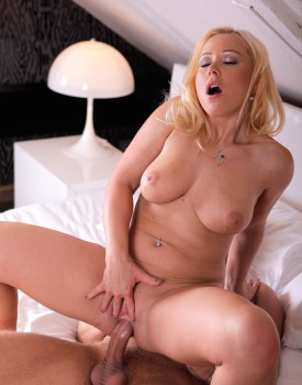 Curvy Milf Bibi Fox Gets Destroyed by a Huge Cock-6