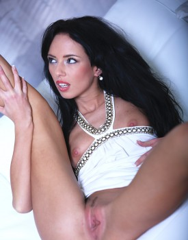 Skinny Dynamo Gina Devine Loves To Ride Big Dicks-11