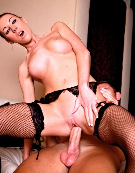 Slutty Maid Jessica Martinez Has Some Fun With a Barman -5