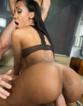 Bubble Butt Ebony Noemilk Takes Two Huge Cocks -4