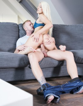Holidays Make Blanche Bradburry Horny For Cock-2