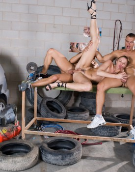 Angelika Wild is a Car Wash Whore Who Fucks Three Men-5