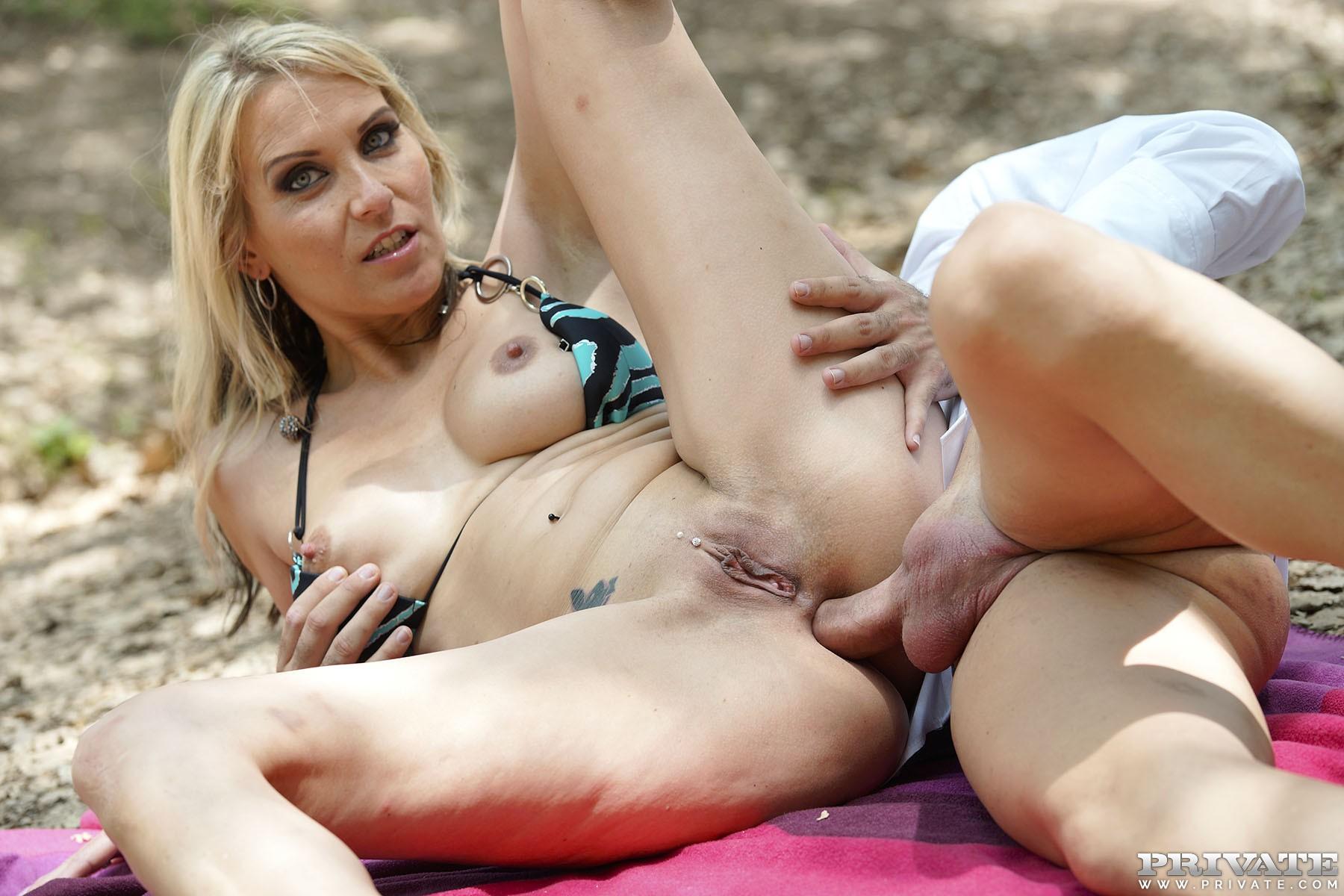 Privates Sex Treffen mit Julia Pink