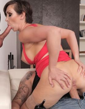 Milf Yasmin Scott Has Her First Anal in a Threeway-4