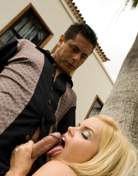 Alicia Rhodes Gives a Cuban Style Blowjob-5