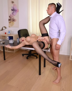 Milf Secretary Kayla Green Has Anal With Boss-4