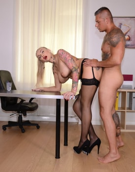 Milf Secretary Kayla Green Has Anal With Boss-9