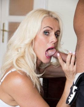 Milf Secretary Dyana Hot Fucks Her Boss in the Office-5