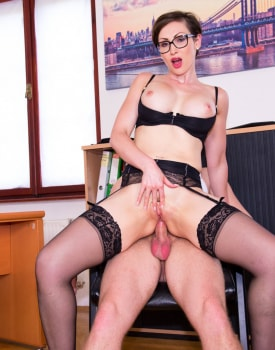Yasmin Scott MILF and Secretary Gets Cum on Her Glasses-10