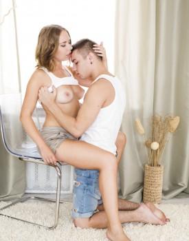 Russian Teen Diana Dali Loves a Creampie -0