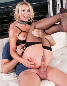 MILF Marina Beaulieu Enjoys Anal While Her Husband Watches-5